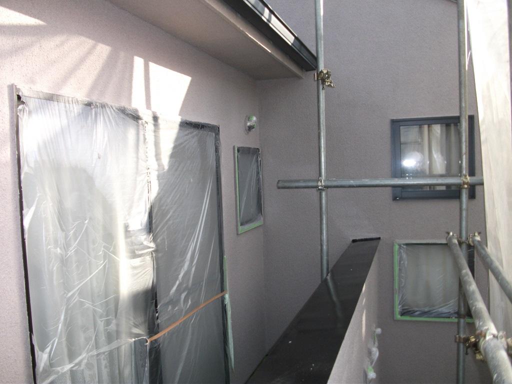 外壁の上塗り(2回目)