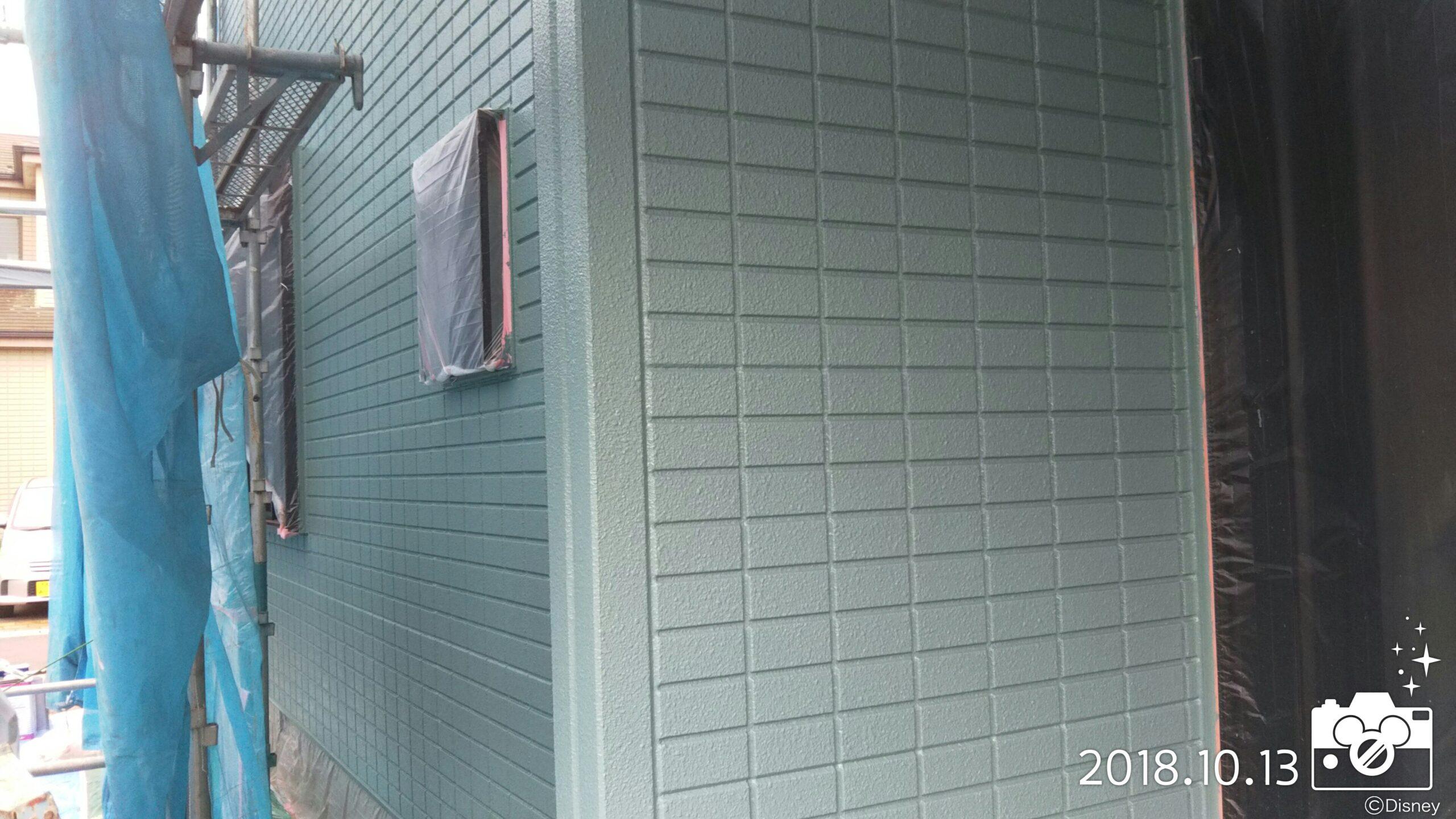 埼玉県さいたま市 外壁中塗り塗装・屋根下塗り塗装|さいたま市岩槻区の木造2階建てのM様邸にて塗り替えリフォーム中