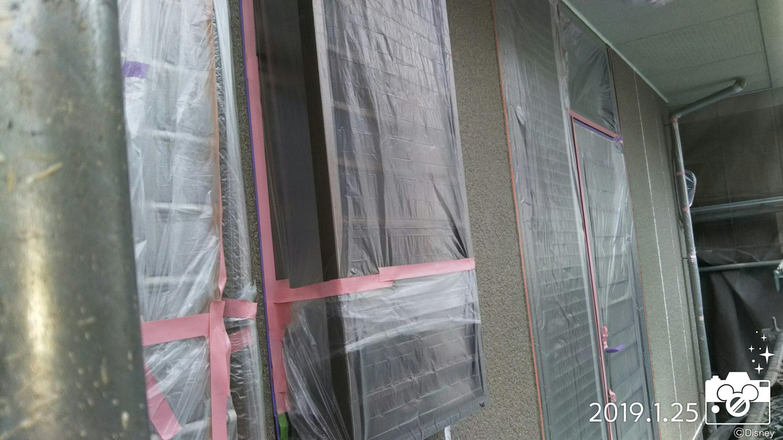 埼玉県さいたま市中央区のT様邸 土間の養生と軒天の塗装工事|(木造2階建て)にて塗り替えリフォーム中