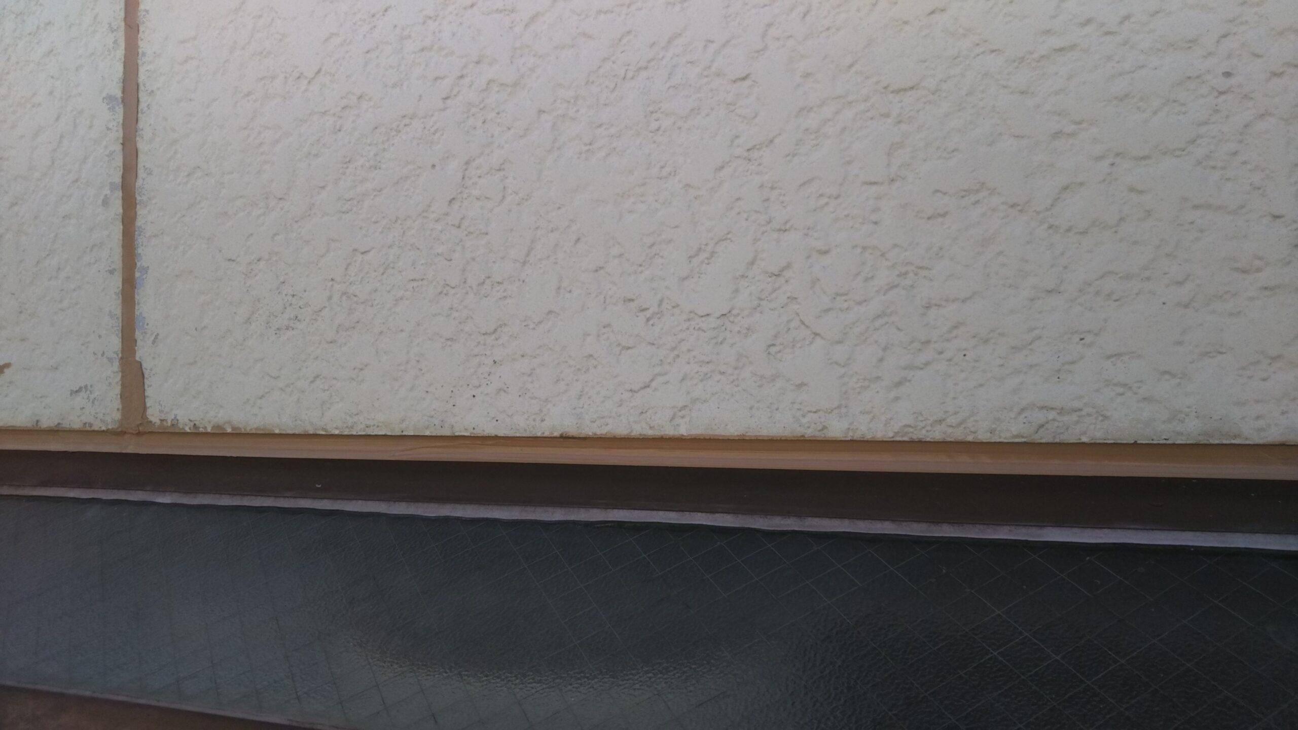 さいたま市浦和区のK様邸(木造2階建て)にてコーキングの撤去・打ち替えと屋根塗装