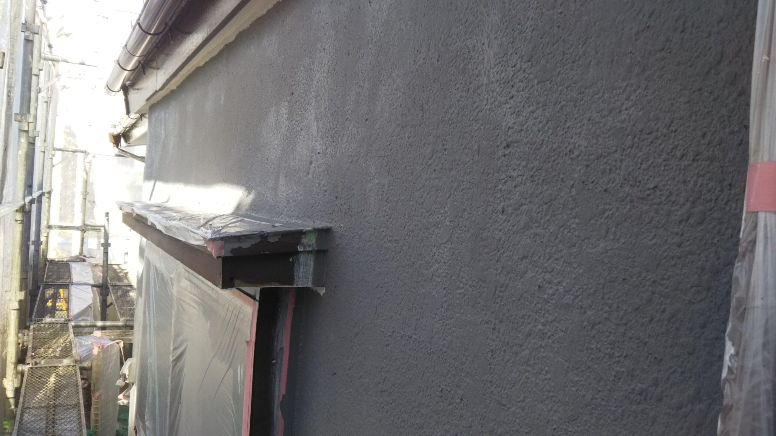 埼玉県さいたま市岩槻区のN様邸(木造2階建て)にて塗り替えリフォーム中