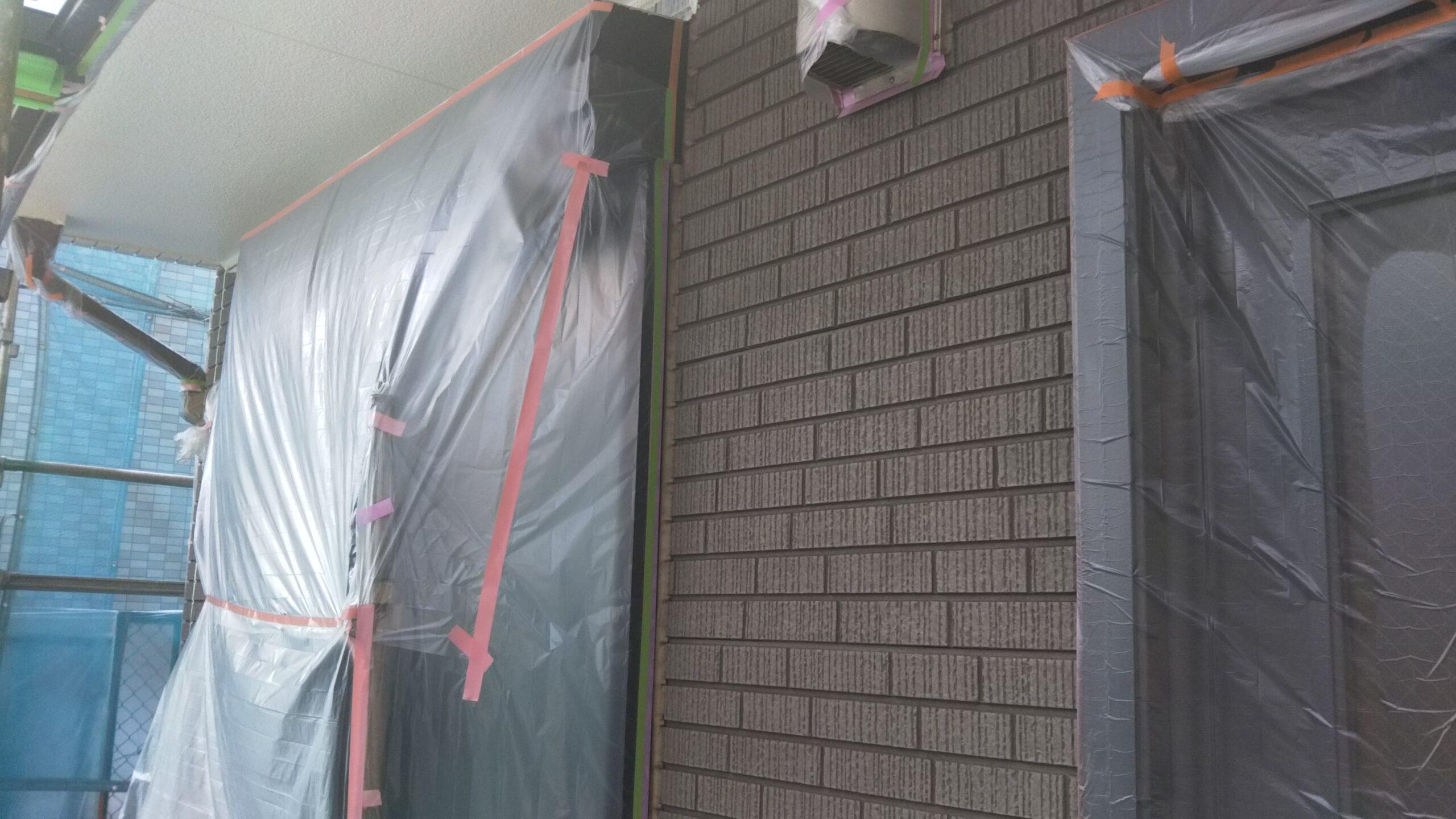 埼玉県さいたま市中央区の(木造3階建て)I様邸にて外壁の中塗り塗装