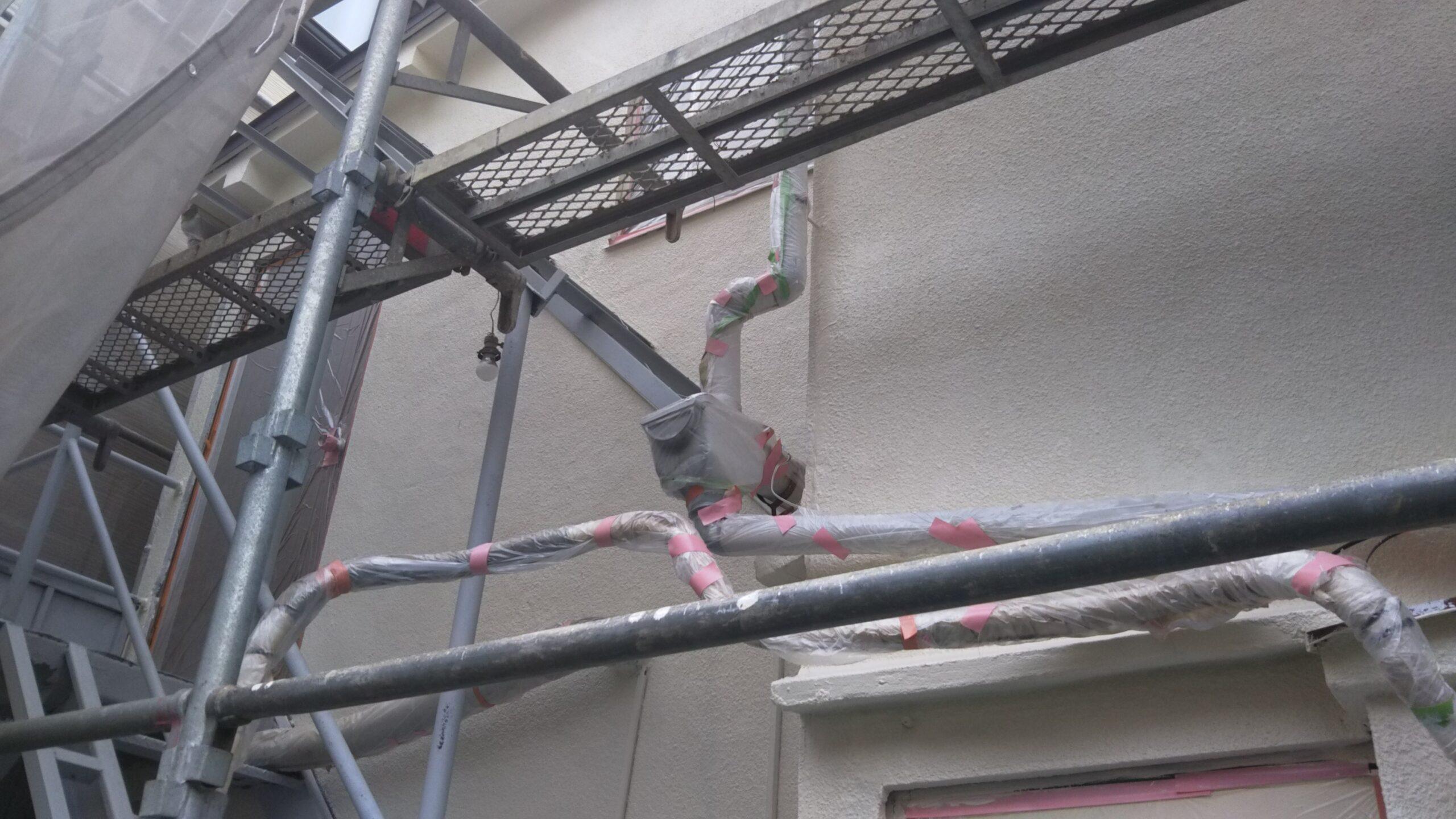 埼玉県さいたま市桜区のF様邸(木造2階建て)にて外壁の仕上げ塗装と屋根の塗装