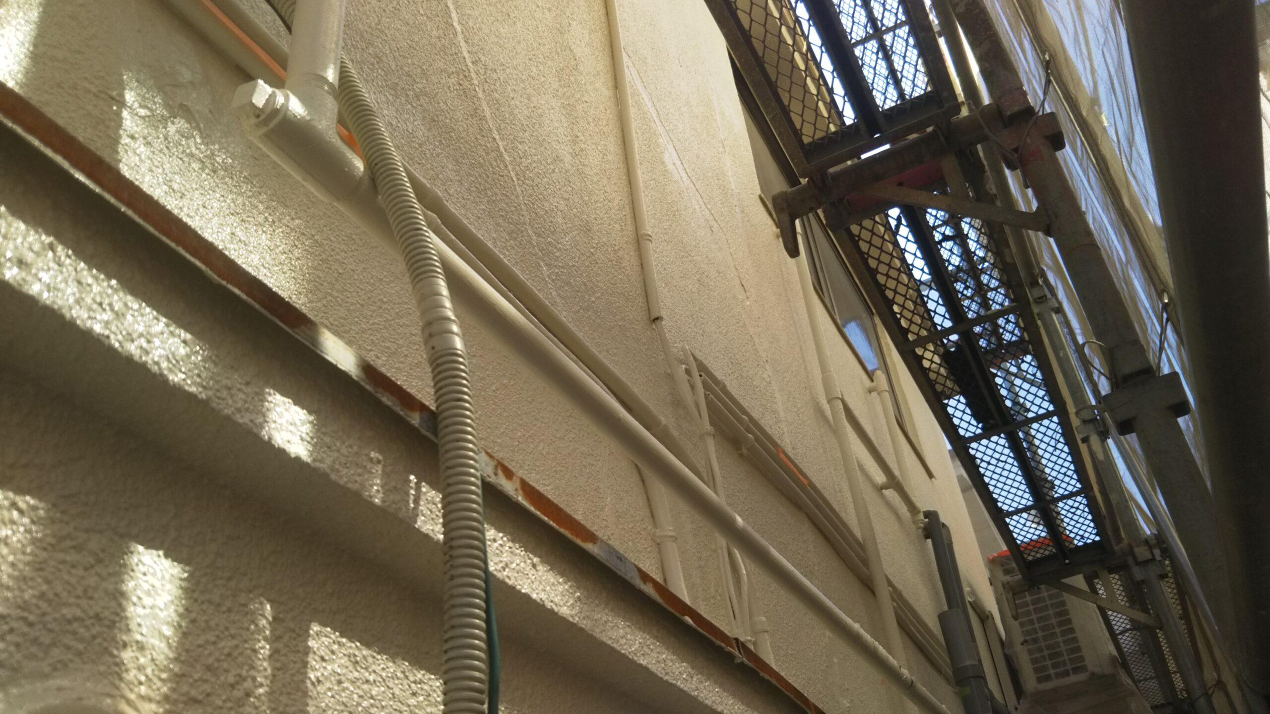 埼玉県さいたま市桜区のF様邸(木造2階建て)にて屋根の仕上げ塗装、雨戸・鉄部・木部の塗装
