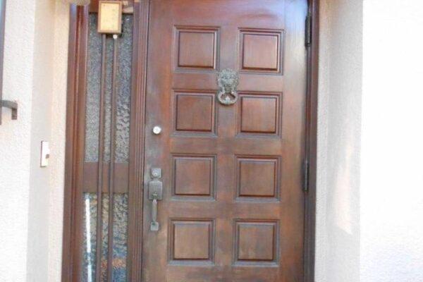玄関ドアのケレン前