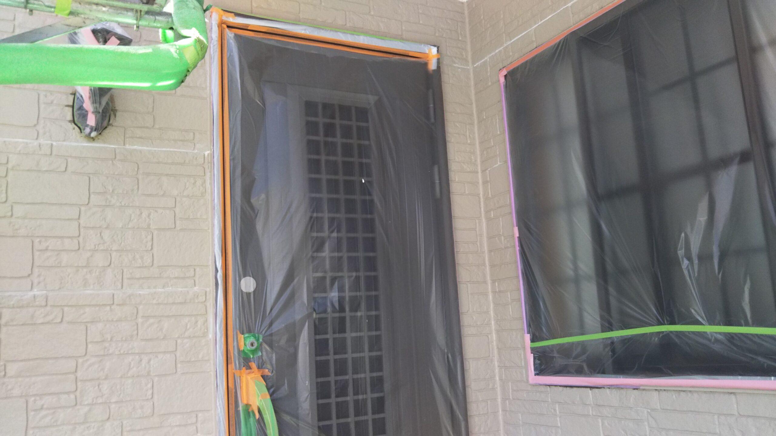 埼玉県さいたま市中央区のM様邸(木造2階建て)にて外壁の中塗り塗装