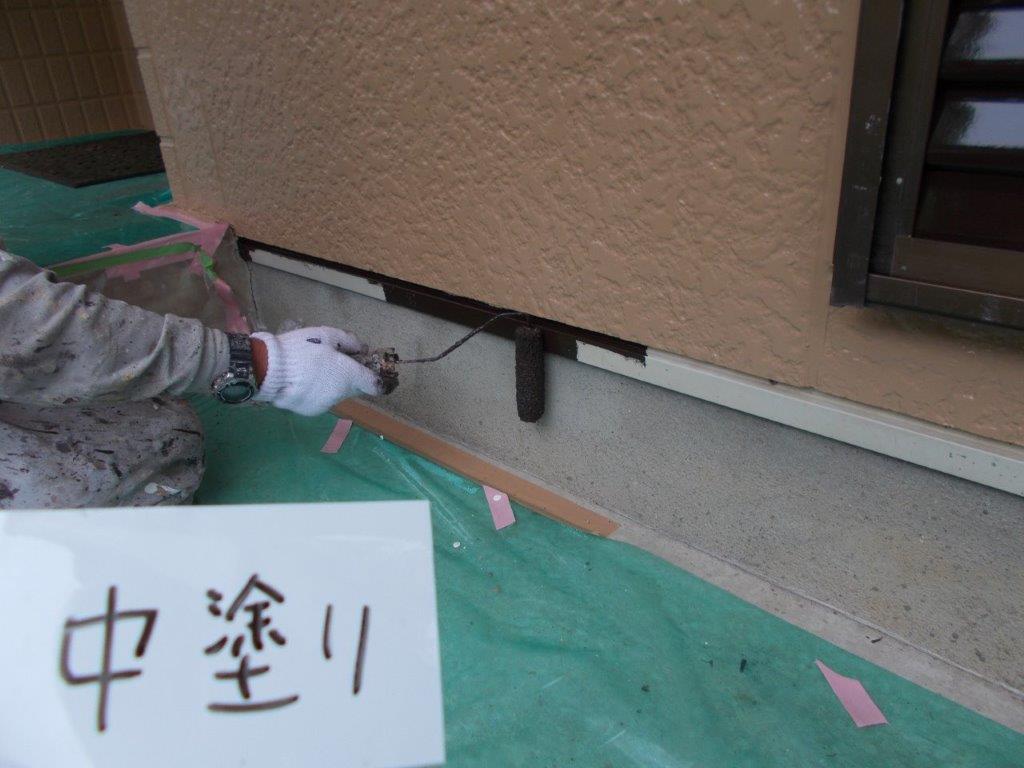埼玉県さいたま市 外壁中塗り塗装/さいたま市中央区の(鉄骨2階建て)I様邸にて塗り替えリホーム中