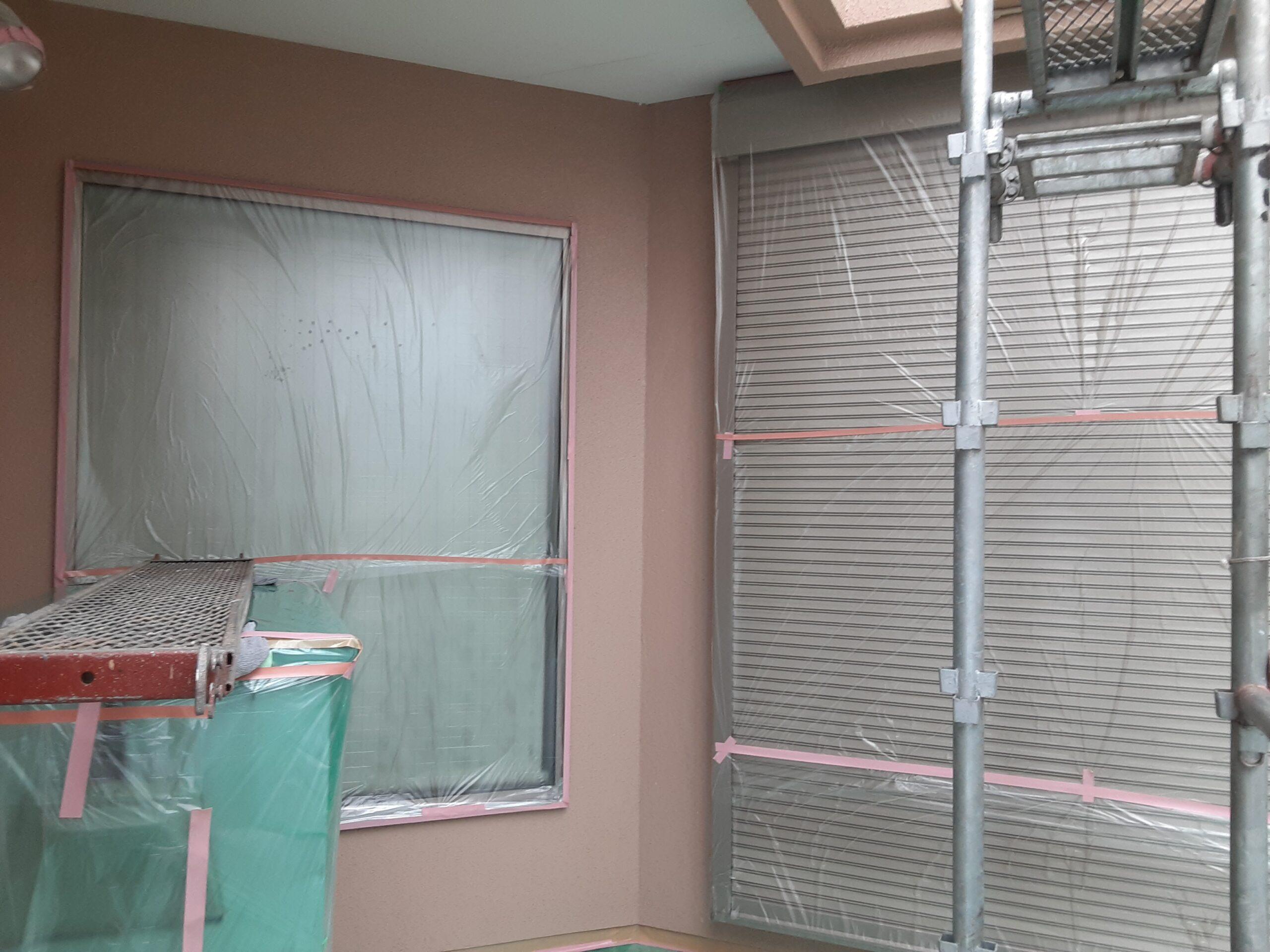 屋根、外壁の塗装/さいたま市大宮区の(木造2階建て)W様邸にて塗り替えリホーム中