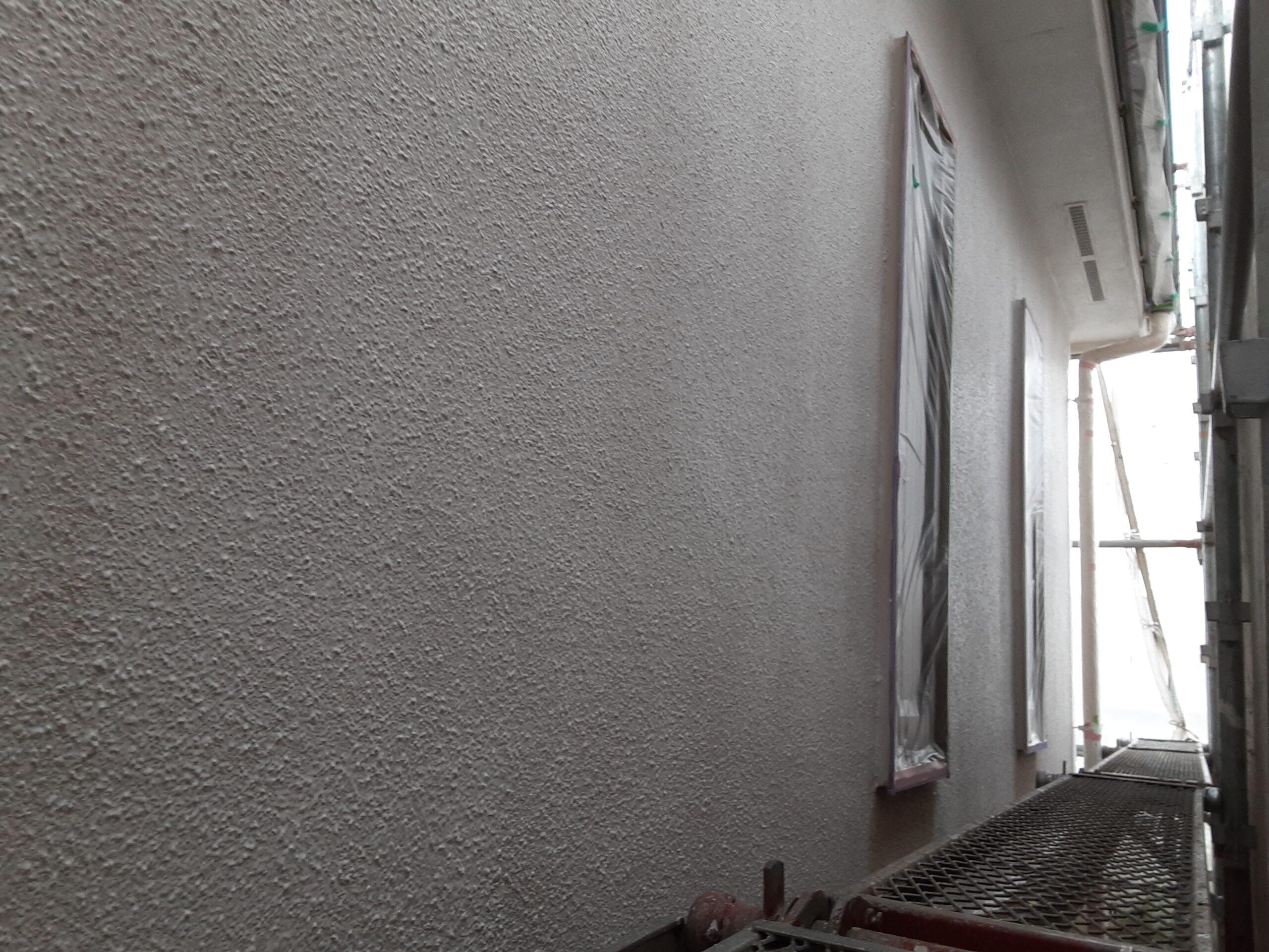 埼玉県さいたま市 屋根、外壁の下塗り塗装/さいたま市大宮区の(木造2階建て)W様邸にて塗り替えリホーム中