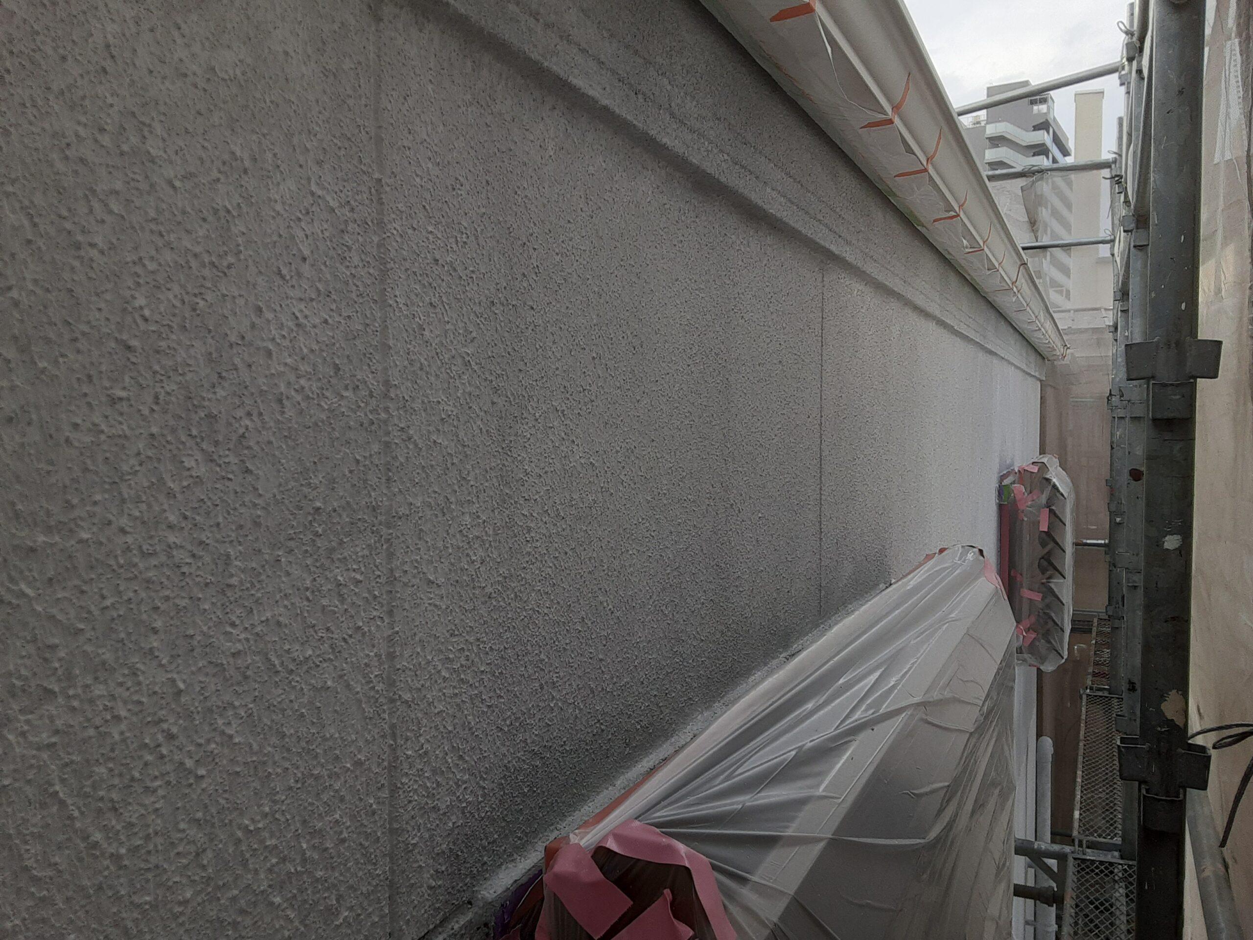 埼玉県さいたま市中央区のK様邸(木造2階建て)にて外壁の下塗り塗装