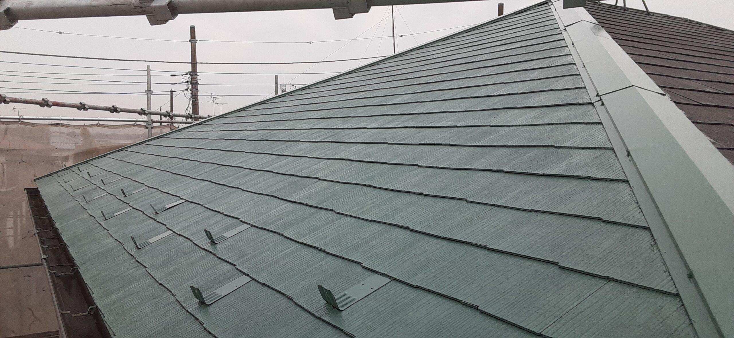 埼玉県さいたま市 外壁塗装の養生、屋根の中塗り塗装/さいたま市岩槻区の(木造2階建て)M様邸にて塗り替えリホーム中