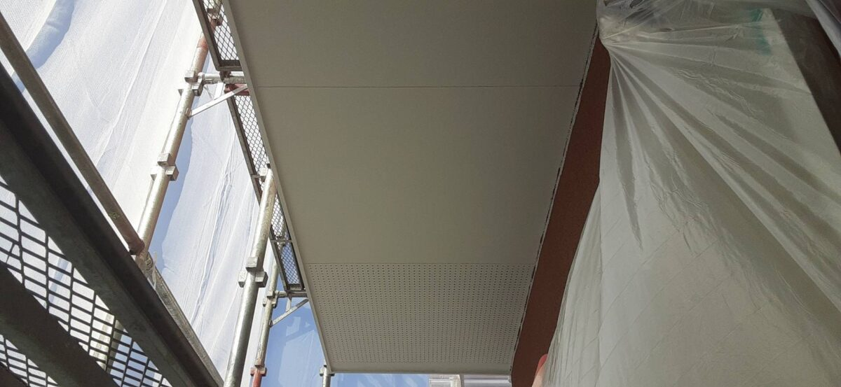 軒天井仕上げ塗装の画像