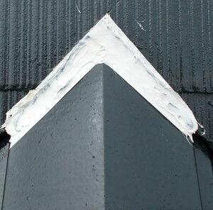 埼玉県越谷市 屋根塗装 外壁塗装 棟板金コーキング 棟板金の釘が抜けるとどうなるか (1)