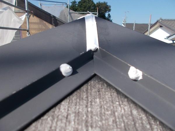 埼玉県さいたま市緑区 S様邸 屋根塗装・外壁塗装・付帯部塗装・防水工事 シーリング打ち替え工事 棟板金 (1)