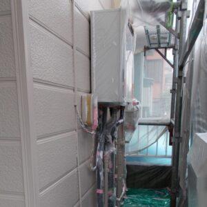 埼玉県越谷市 屋根塗装 外壁塗装 中塗り 重ね塗りが必要な理由 (3)