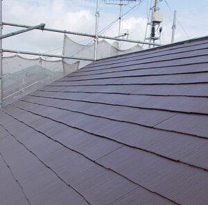 埼玉県越谷市 屋根塗装 外壁塗装 屋根中塗り・上塗り 塗料とペンキの違い (2)
