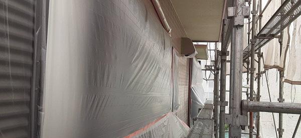 埼玉県さいたま市北区 F様邸 屋根塗装・外壁塗装 外壁の養生 外壁・屋根下塗り (1)