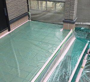 埼玉県さいたま市北区 N様邸 外壁塗装・付帯部塗装 土間養生 破風板下地処理~下塗り (1)