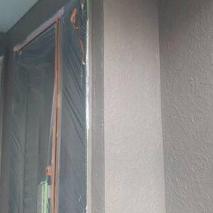 埼玉県さいたま市南区 T様邸 屋根塗装・外壁塗装・付帯部塗装 外壁1階部分の塗装 ホワイトの下塗り材のメリット (2)