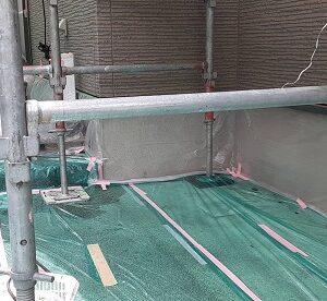 埼玉県さいたま市北区 N様邸 外壁塗装・付帯部塗装 土間養生 破風板下地処理~下塗り (3)