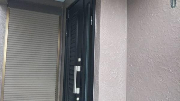 埼玉県さいたま市南区 T様邸 屋根塗装・外壁塗装・付帯部塗装 外壁1階部分の塗装 ホワイトの下塗り材のメリット (1)