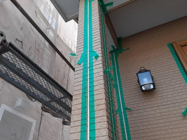 埼玉県さいたま市中央区 H様邸 外壁塗装・付帯部塗装 コーキング(シーリング)工事① 撤去、テープ貼り (2)