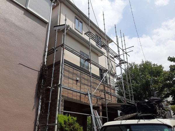 埼玉県さいたま市緑区 F様邸 外壁塗装 足場設置 飛散防止ネット (1)
