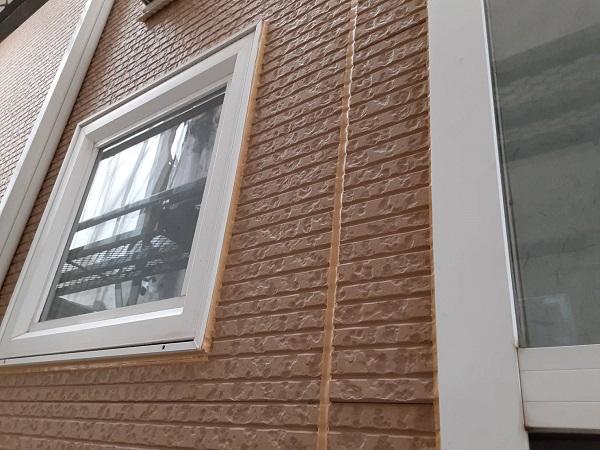 埼玉県さいたま市中央区 H様邸 外壁塗装・付帯部塗装 コーキング(シーリング)工事② コーキング材充填 打ち替え工事完了 (2)