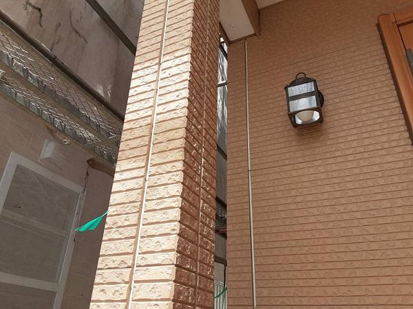 埼玉県さいたま市中央区 H様邸 外壁塗装・付帯部塗装 コーキング(シーリング)工事① 撤去、テープ貼り (1)