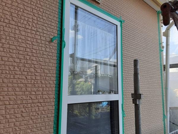 埼玉県さいたま市中央区 H様邸 外壁塗装・付帯部塗装 コーキング(シーリング)工事① 撤去、テープ貼り (3)