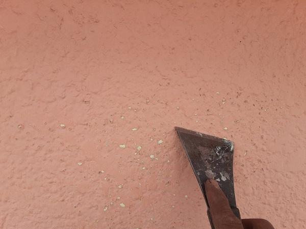 埼玉県さいたま市岩槻区 K様邸 屋根塗装・外壁塗装 屋根と外壁のケレン作業 スクレーパー (4)