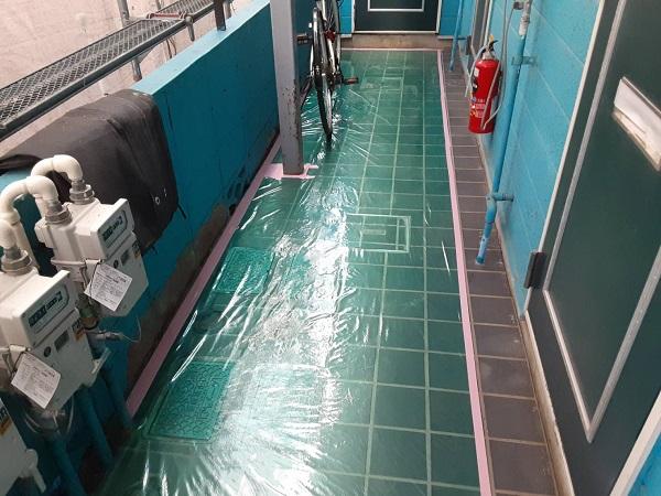 埼玉県さいたま市南区 アパート 外壁塗装 コーキングの撤去 外壁塗装の養生 ケレン作業とは (3)
